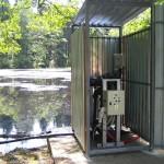 čerpací a filtrační stanice u zásobní nádrže
